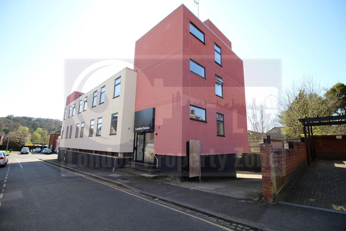 High Wycombe,United Kingdom,Student Rooms,1099