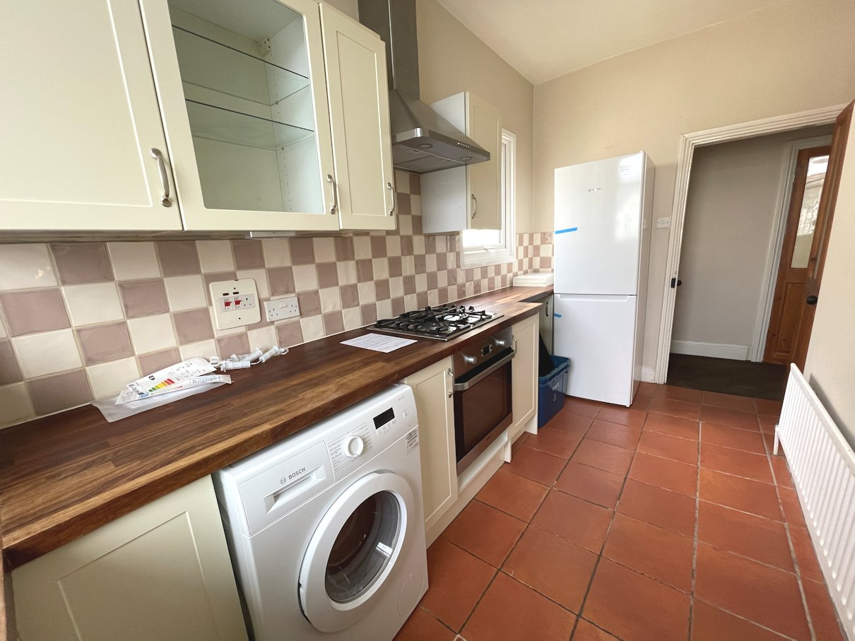 2 bed, flat, in Kidderminister Road, Croydon CR0, crodon letting agent, london property zone