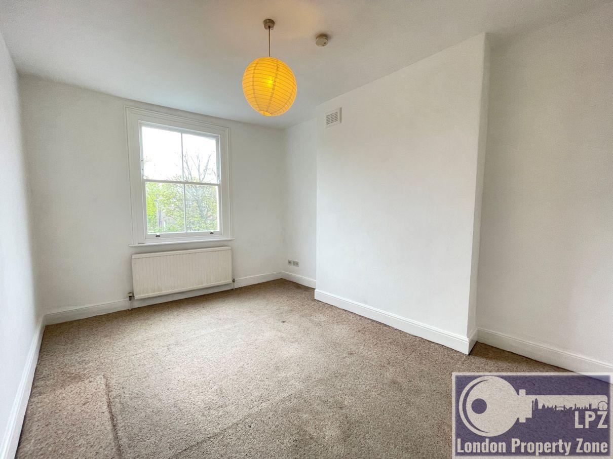 1 bed, TOP floor, flat ,in, Brecknock Road, Camden, London, N7, N7 0DD, London Property Zone, Camden letting agent, letting agent, roof terrace,